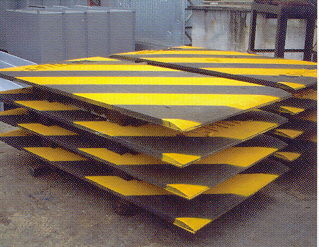 黑間防滑鐵板 Anti-slip steel sheets
