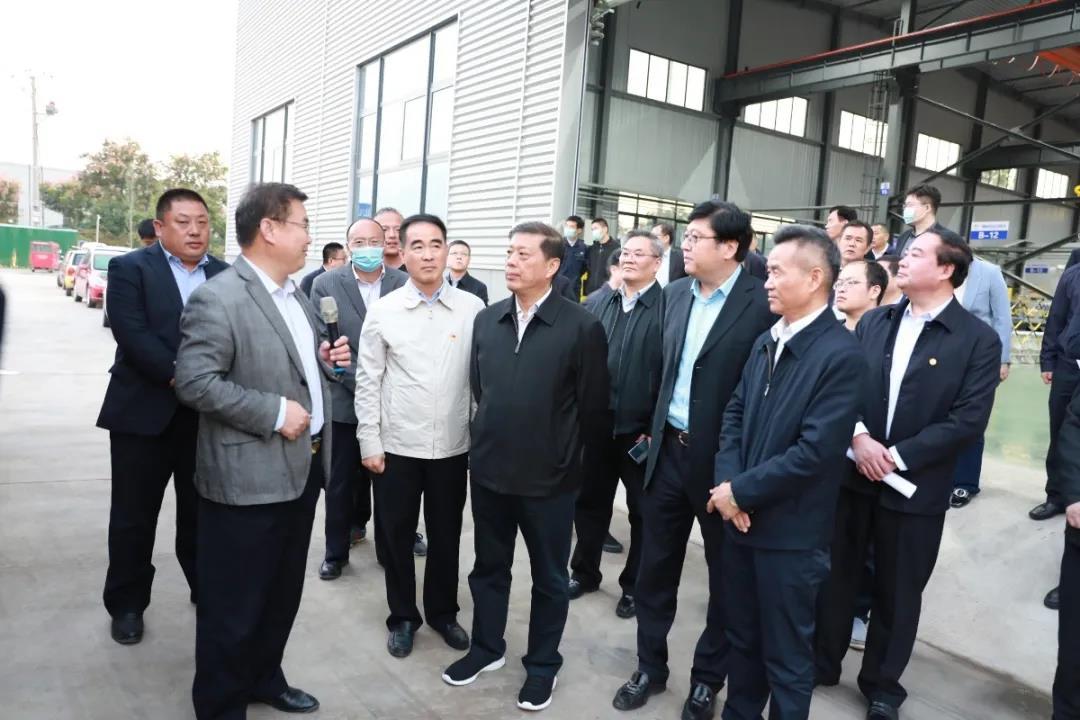 奔騰資訊 | 臨沂市委書記王安德調研奔騰激光