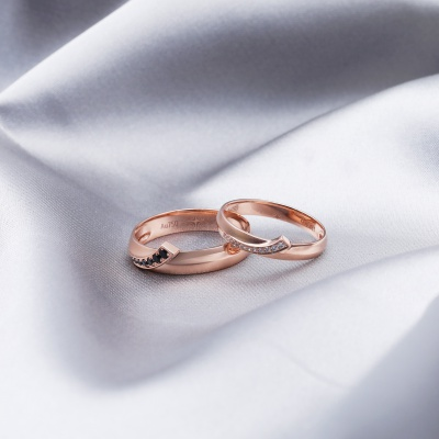 【B&W黑白钻】爱的共鸣-周百福黑白钻结婚对戒