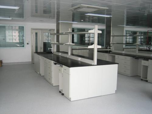 中央实验台的质量跟材料是否有...