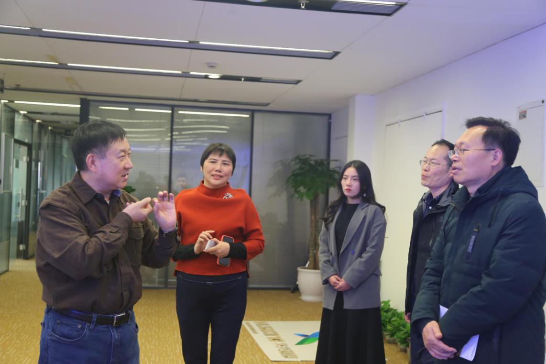 鄭州市科技局副局長任燦莅臨考察