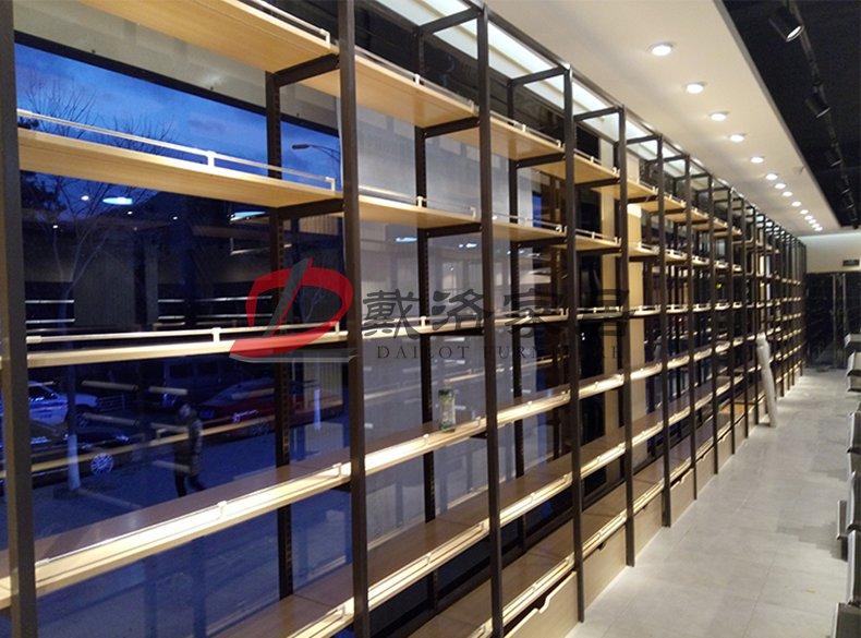 钢木结构组合货架靠墙式商品木质展示架-戴洛木质展示架产品
