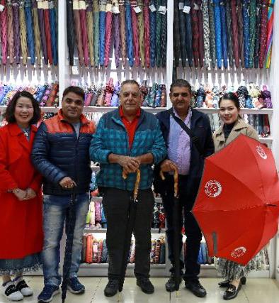 新华社:一把东方小伞的亚欧之旅