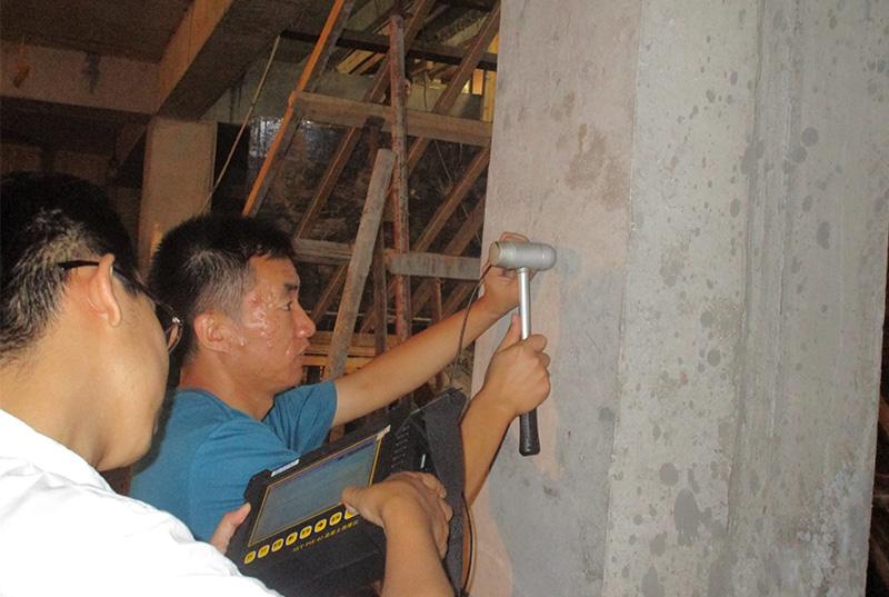 哈爾濱萬達廣場地下擴建擋土墻混凝土厚度檢測