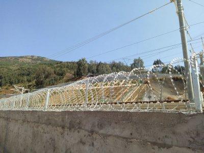 刺絲滾籠 (3)