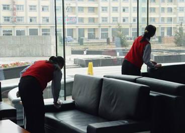 軍威陸家嘴金融大廈日常保潔案例