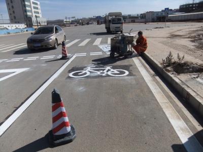 昆明市政道路路面标线施工