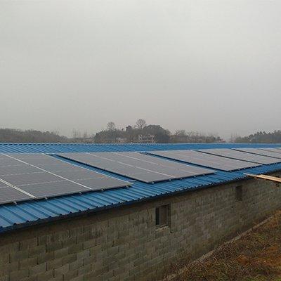 湖北養雞場彩鋼瓦30KW分布式電站2
