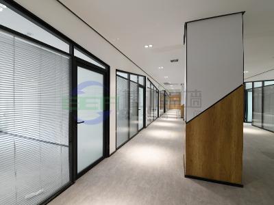 办公室玻璃隔断安装特点与注意事项是什么?...