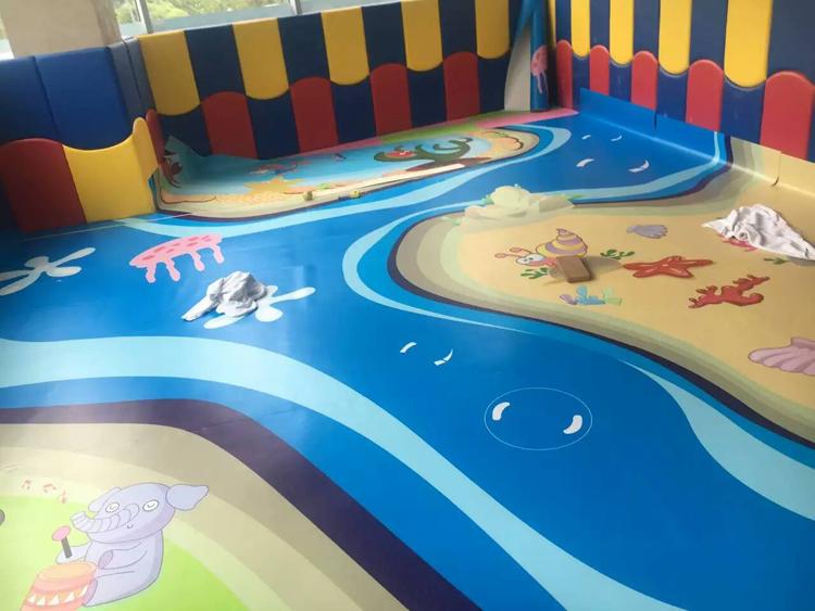 幼儿园地板铺的什么材料?