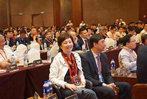 Exchange experience bedide the West Lake, and grasp some new ideas of rhinoplasty in the disscution