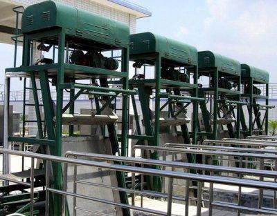 GSY型鋼絲繩牽引格柵除污機