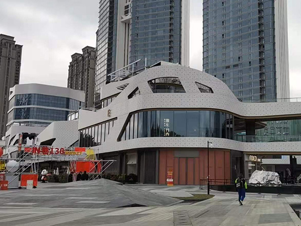 福州融侨5C综合商场屋面设备噪声治理
