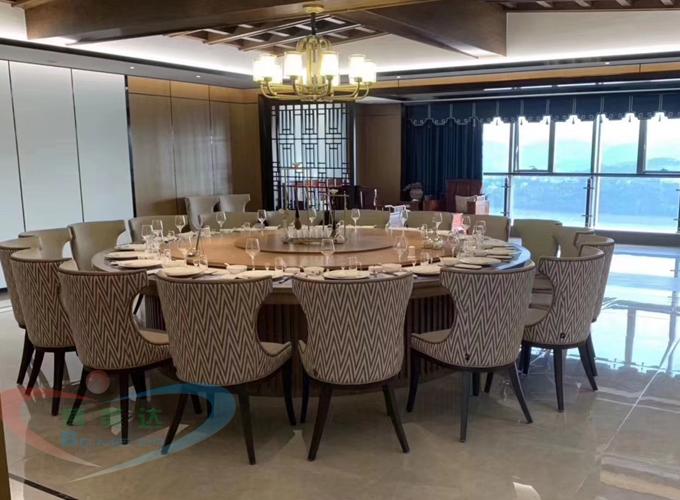 宴會電動餐桌和實木電動餐桌特點都是一樣的