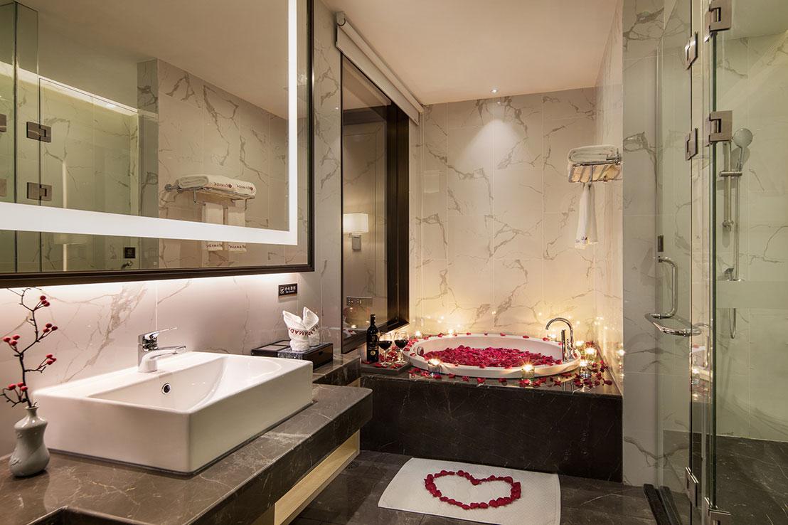 豪华大床房-卫生间