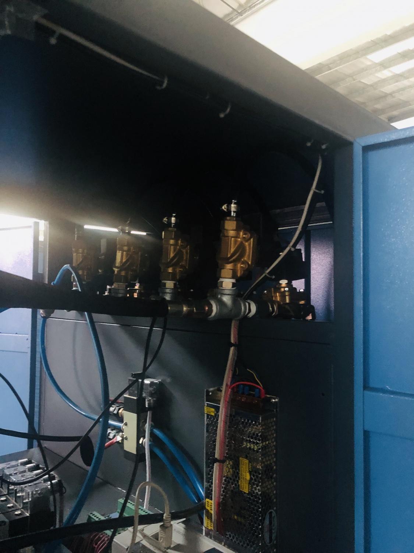 1出1(2)半自动吹瓶机(5L)