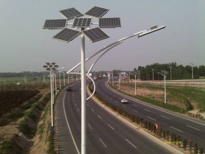 河北承德主干道太陽能路燈