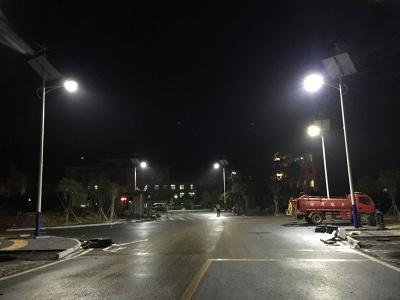 湖南郴州風光互補太陽能路燈