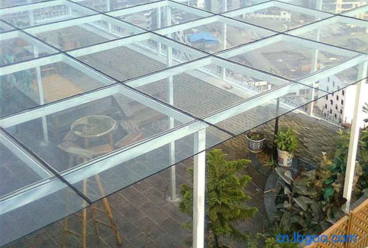 钢化玻璃雨棚