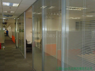 钢化玻璃隔断