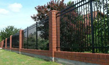 为什么购买锌钢护栏的人那么多?