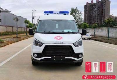 国六江铃特顺短轴中顶救护车