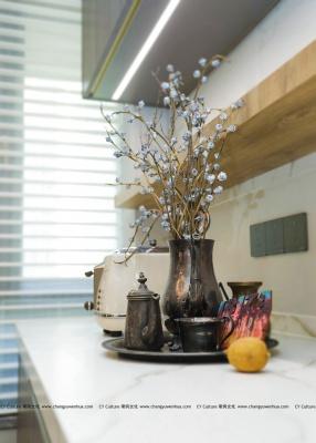 现代餐厅花瓶效果图-现代风格效果图