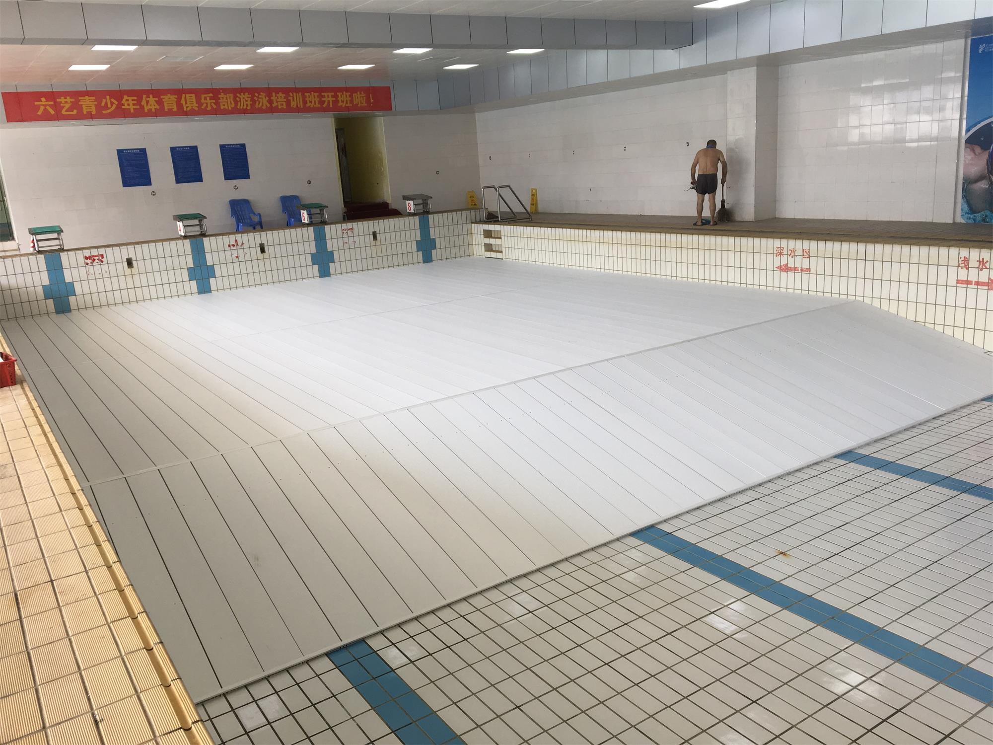 宁德市六艺青少年体育俱乐部不带护栏平整再接缓坡泳池垫层案例