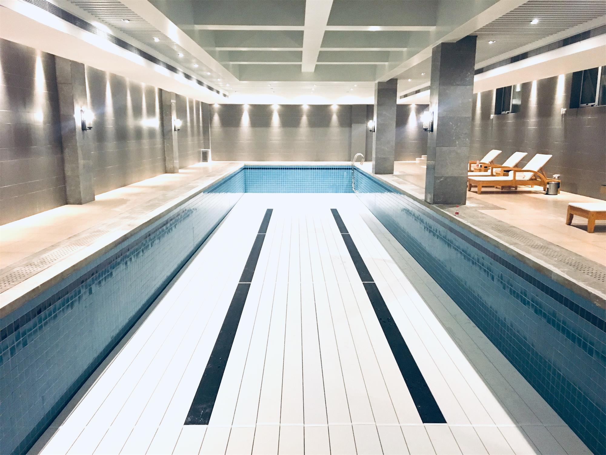 河北廊坊泳池垫层不带护栏平整全垫案例