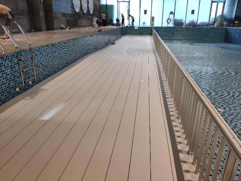宁波缓坡泳池垫层带护栏缓坡垫层案例