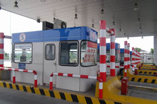 上海鬆江高速公路不鏽鋼收費亭