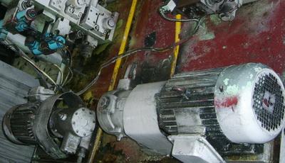 发动机缸体枪钻线系统集成