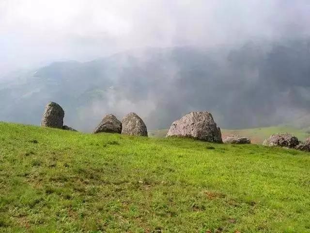 徒步 | 昆明十峰之寻甸花石头山两日攀登