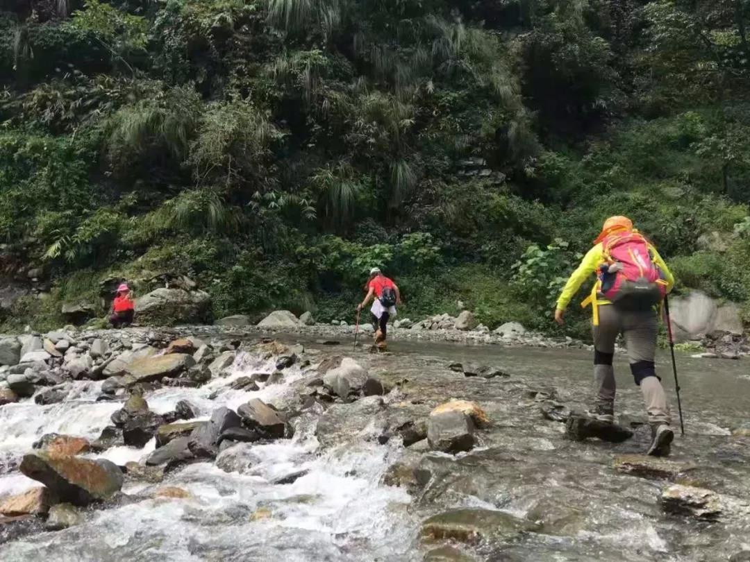 徒步丨布恩山小环线徒步+洒红节