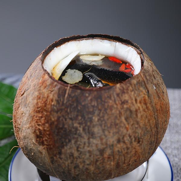 原盅椰子炖竹丝鸡