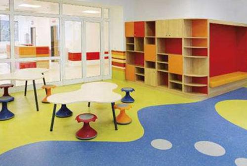 廣州裝修公司幼兒園裝修包括地板定制安裝,鎖扣地板,pvc塑膠地板,地坪自流平找平