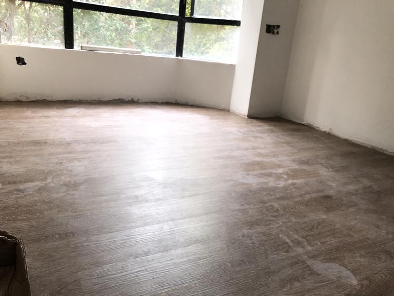 番禺麗江花園康城居三居室鎖扣地板安裝實例