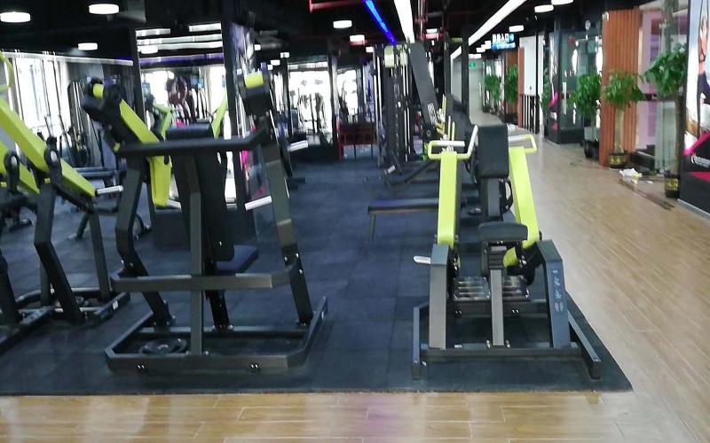 健身房的地板膠一般用多厚的?