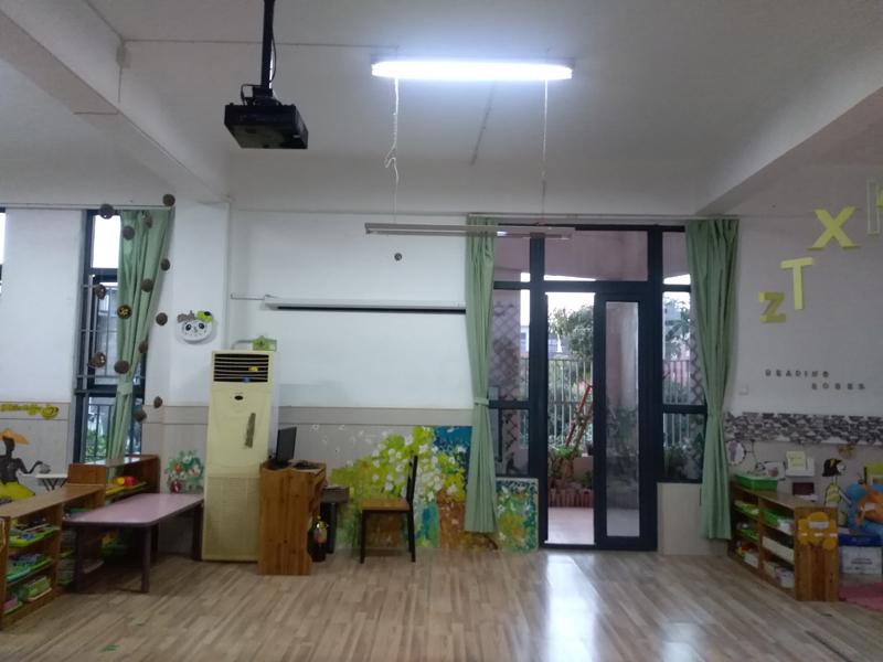 地板建材市場上PVC塑膠地板價格多少錢一平方?