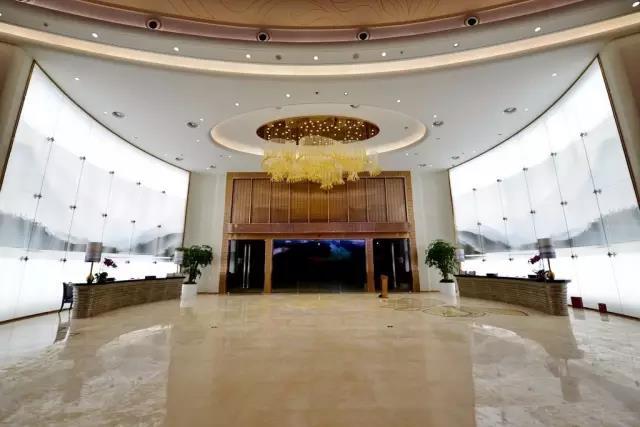 重庆万达文旅中心的室内内装应用