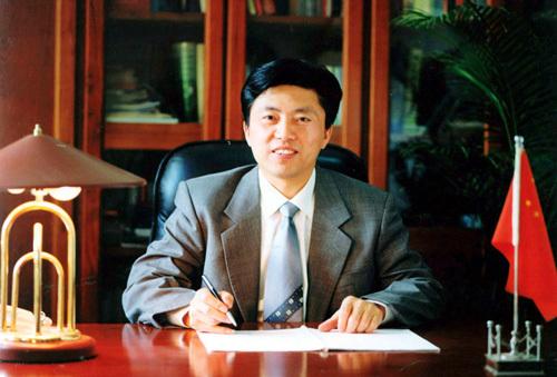 熊维政·羚锐制药有限公司董事长