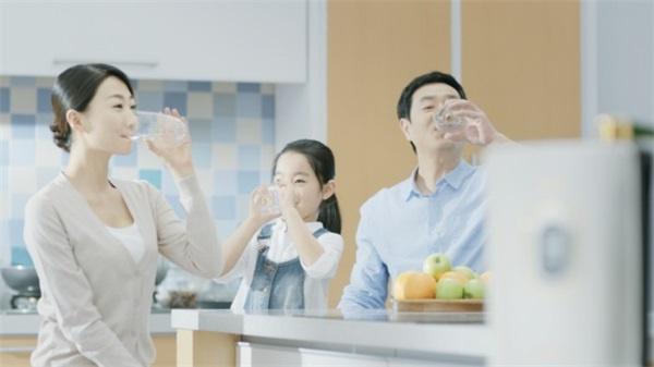 清晨喝水需要注意什么吗,了解健康饮水切记四方面知识