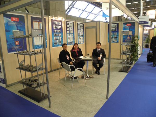 參加2011年巴黎國際工業配件...