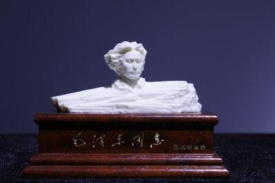 青年毛泽东艺术雕像仿汉白玉