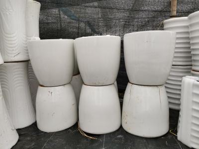 純白色瓷盆