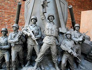 河南郑州宏杰雕塑军事题材雕塑