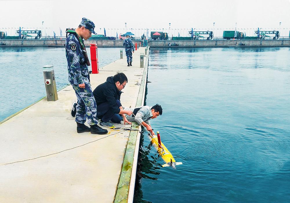 """青岛""""上合峰会""""水下排爆"""