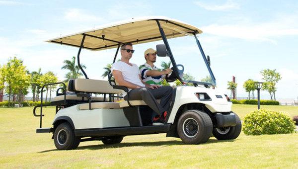 高爾夫球車
