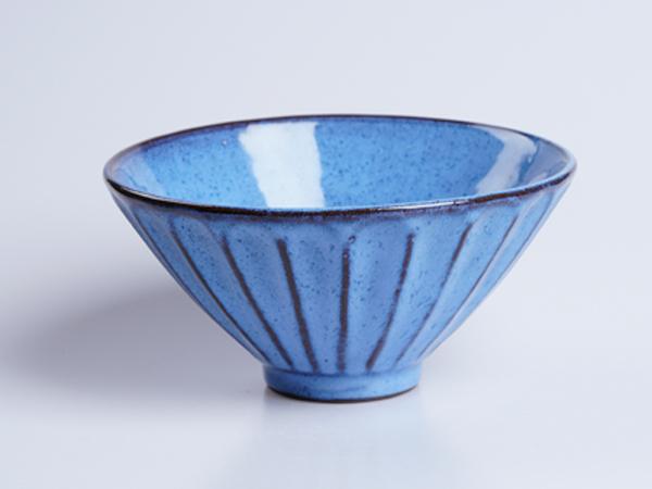 均釉線條面碗