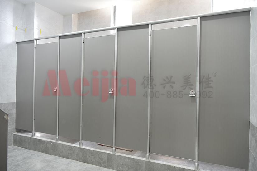 陕西西安公共卫生间隔断 颗粒板刨花板卫生间隔断 卫生间隔断尼龙配件
